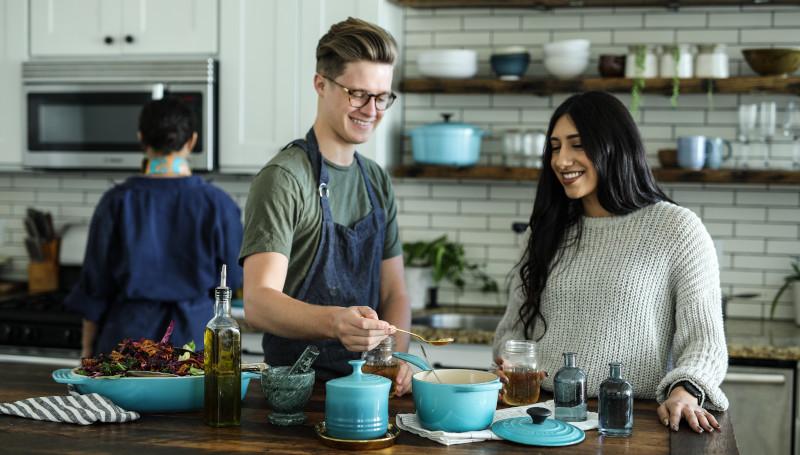 Männerreich beim Kochkurs Frauen ansprechen